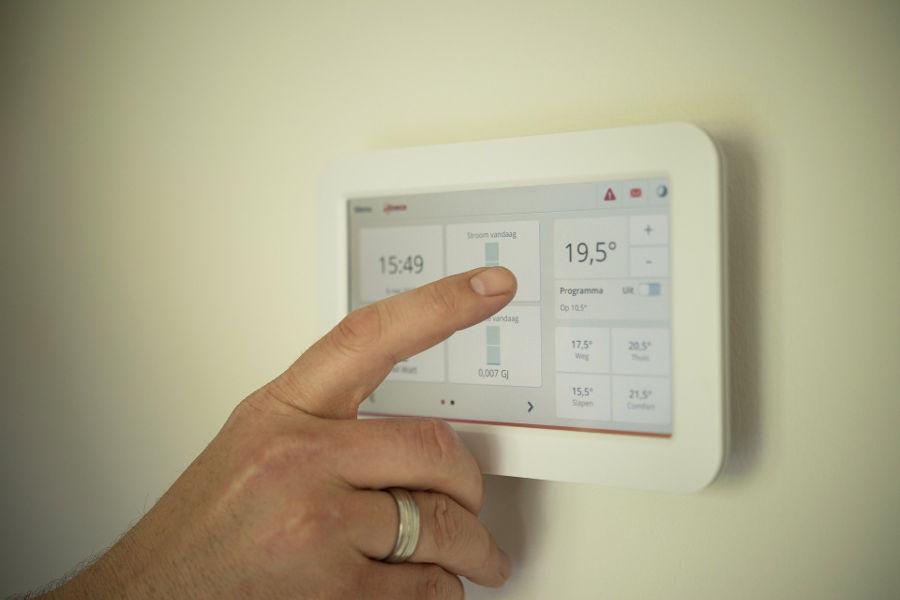 Ogrzewanie elektryczne w mieszkaniu – obalamy mity
