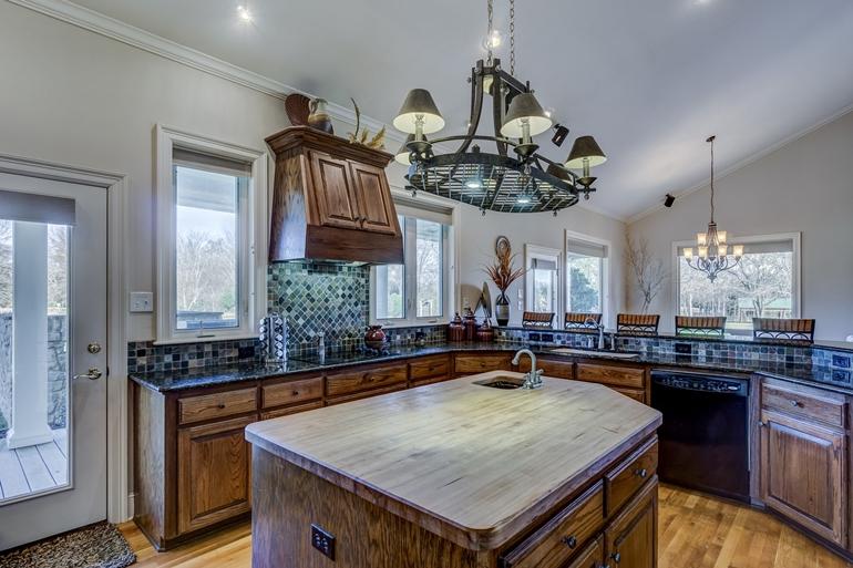 Lampy wiszące do kuchni – jak je dobrać?