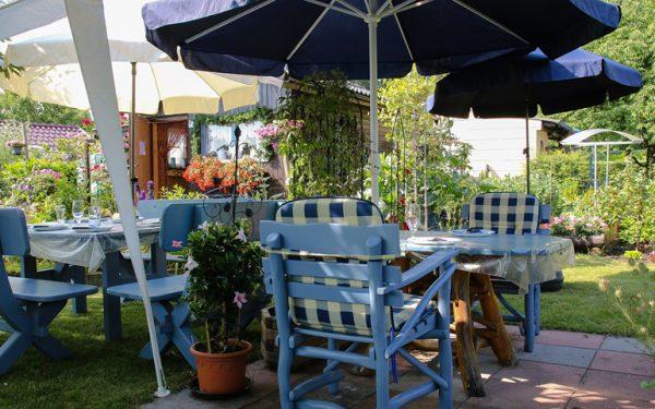 Zestaw wypoczynkowy do ogrodu – czym powinien się charakteryzować?